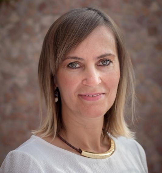 Tutor Erzsébet, vevőszolgálati vezető